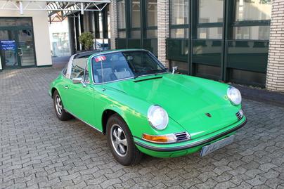 PORSCHE 911T 2.4 Targa